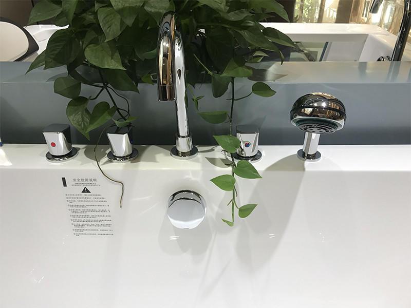 Xavier -Free Standing Baths, Indoor Freestanding Acrylic Standard Size Square Bathtubs-1