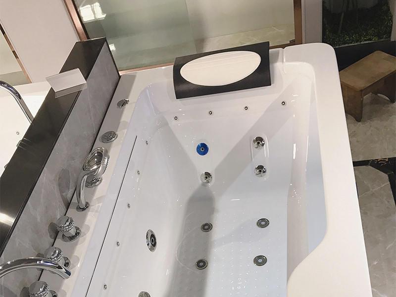 Xavier durable whirlpool tub shower for resort hotel