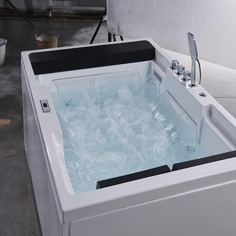 Fashionable creative bathtub to promote bathroom personality