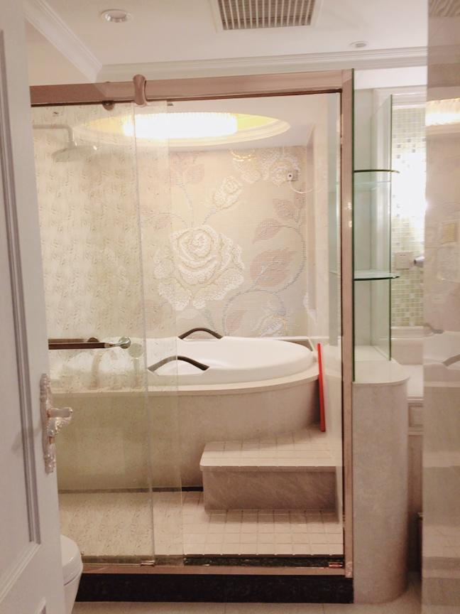 Domestic home decoration small project (Shower screen  and massage bathtub)